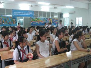 Memorable time with Ba Dinh Secondary students